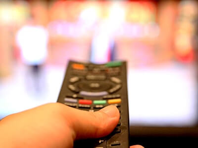 電話占い業界の悪行を黙認するメディア