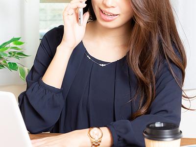 在宅電話占い師の女性