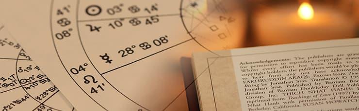 ホロスコープ図と占いの本